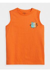 4f - Koszulka bez rękawów regular chłopięca. Kolor: pomarańczowy. Materiał: bawełna, dzianina. Długość rękawa: bez rękawów. Wzór: nadruk