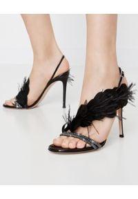 GIANVITO ROSSI - Sandały ze zdobieniami Anthea. Nosek buta: okrągły. Zapięcie: pasek. Kolor: czarny. Materiał: lakier. Wzór: aplikacja. Styl: wizytowy