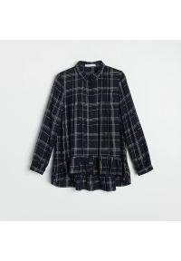 Reserved - Koszula w kratę - Granatowy. Kolor: niebieski