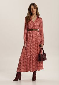 Renee - Czerwona Sukienka Hyguna. Kolor: czerwony. Długość rękawa: długi rękaw. Wzór: aplikacja. Typ sukienki: kopertowe. Długość: midi