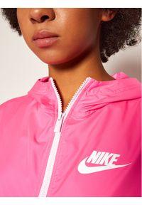 Różowa kurtka do biegania Nike