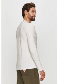 Biała koszulka z długim rękawem Guess casualowa, na co dzień