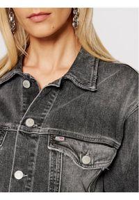 Tommy Jeans Kurtka jeansowa Trucker DW0DW10260 Szary Oversize. Kolor: szary