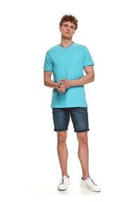 TOP SECRET - T-shirt z dekoltem typu bomber. Kolor: niebieski. Materiał: bawełna, tkanina. Długość rękawa: krótki rękaw. Długość: krótkie. Sezon: lato. Styl: wakacyjny