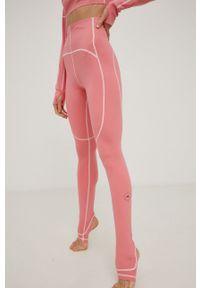 Adidas by Stella McCartney - adidas by Stella McCartney - Legginsy. Okazja: na plażę. Kolor: fioletowy. Materiał: dzianina, materiał. Wzór: gładki