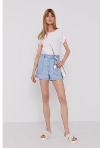 Levi's® - Levi's - Szorty jeansowe. Okazja: na co dzień, na spotkanie biznesowe. Kolor: niebieski. Materiał: jeans. Wzór: gładki. Styl: biznesowy, casual