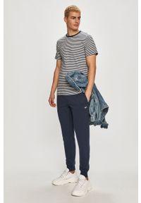 Niebieski t-shirt Tommy Jeans na co dzień, casualowy