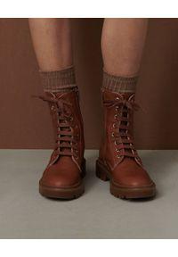 Marella - MARELLA - Brązowe trapery ze skóry Ocra. Nosek buta: okrągły. Kolor: brązowy. Materiał: skóra. Szerokość cholewki: normalna
