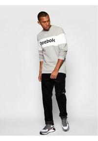 Reebok Classic - Reebok Bluza Training Essentials Linear Logo GN2206 Szary Regular Fit. Kolor: szary