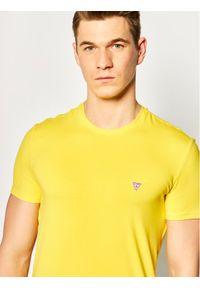 Żółty t-shirt Guess