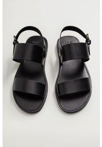 Czarne sandały Mango Man gładkie, na klamry