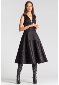 Sukienka Versace Collection na ramiączkach, rozkloszowana, z aplikacjami