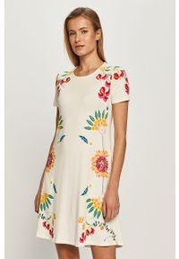 Biała sukienka Desigual z nadrukiem, na co dzień, mini