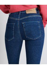 Niebieskie jeansy ONETEASPOON z podwyższonym stanem, z aplikacjami