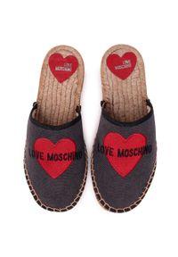 Szare klapki Love Moschino na co dzień, casualowe