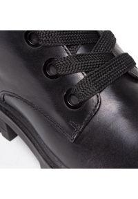 Czarne buty trekkingowe Caprice z cholewką