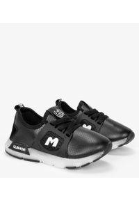 Casu - Czarne buty sportowe sznurowane casu b331/7. Kolor: czarny