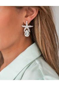 CAROLINE SVEDBOM - Srebrne kolczyki Sea Star. Materiał: srebrne. Kolor: srebrny. Wzór: aplikacja. Kamień szlachetny: kryształ
