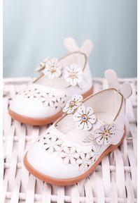 Białe baleriny Casu w kwiaty, na rzepy