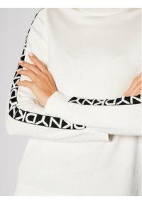 Beżowy sweter klasyczny DKNY