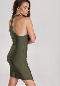 Renee - Ciemnozielona Sukienka Winvia. Typ kołnierza: dekolt halter. Kolor: zielony. Długość rękawa: na ramiączkach. Typ sukienki: asymetryczne. Długość: mini
