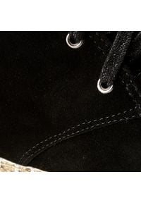Neścior - Botki NEŚCIOR - 098-B Czarny Zamsz/Czar.Pa. Okazja: do pracy, na co dzień. Kolor: czarny. Materiał: skóra, zamsz. Szerokość cholewki: normalna. Sezon: zima, jesień. Styl: casual