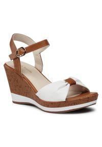Białe sandały Clara Barson na średnim obcasie, na obcasie