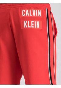 Czerwone spodenki sportowe Calvin Klein Performance