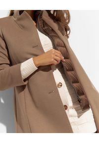 CINZIA ROCCA - Brązowy płaszcz z satynowym kołnierzem. Kolor: brązowy. Materiał: satyna