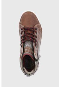 Mustang - Trampki. Nosek buta: okrągły. Zapięcie: sznurówki. Kolor: brązowy. Materiał: guma