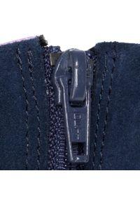 Niebieskie kozaki Clarks z cholewką przed kolano, z cholewką