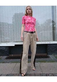 SAKS POTTS - Koszulka z nadrukiem w róże. Kolor: różowy, fioletowy, wielokolorowy. Materiał: materiał. Wzór: nadruk
