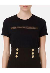 Elisabetta Franchi - ELISABETTA FRANCHI - Czarny t-shirt z haftowanym logo. Okazja: na co dzień. Kolor: czarny. Materiał: bawełna, jeans. Wzór: haft. Styl: casual