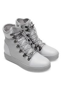 Ideal Shoes - Buty sportowe damskie IdealShoes X9701 Szare. Zapięcie: zamek. Kolor: szary. Materiał: tworzywo sztuczne, materiał. Obcas: na koturnie. Wysokość obcasa: średni