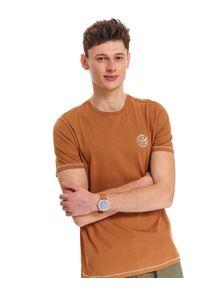 Brązowy t-shirt TOP SECRET klasyczny, krótki