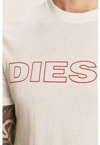 Biały t-shirt Diesel z okrągłym kołnierzem, z nadrukiem, na co dzień, casualowy