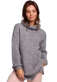 Szary sweter MOE z golfem