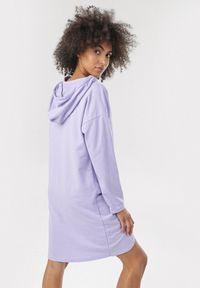 Fioletowa bluza z kapturem Born2be
