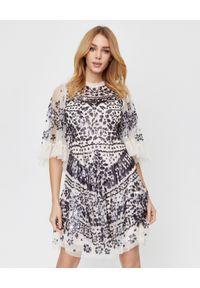 NEEDLE & THREAD - Beżowa sukienka z cekinami Anais. Kolor: beżowy. Materiał: tiul, koronka. Wzór: koronka, aplikacja. Styl: vintage. Długość: mini