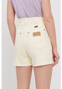 Wrangler - Szorty jeansowe. Okazja: na co dzień. Stan: podwyższony. Kolor: żółty. Materiał: jeans. Styl: casual