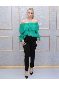 EMMA & GAIA - Zielona bluzka z falbanami. Kolor: zielony. Wzór: aplikacja. Styl: klasyczny