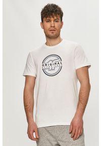 4f - 4F - T-shirt. Okazja: na co dzień. Kolor: biały. Wzór: nadruk. Styl: casual