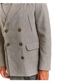 TOP SECRET - Płaszcz typu bosmanka ze sztucznym futrem. Kolor: szary. Materiał: futro. Długość: krótkie. Wzór: jodełka. Sezon: zima. Styl: klasyczny, wizytowy, elegancki #2