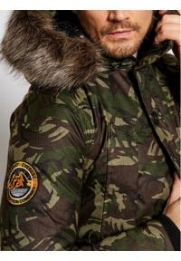 Superdry Kurtka zimowa Everest M5010204A Zielony Regular Fit. Kolor: zielony. Sezon: zima