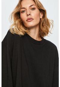 Czarna bluza Answear Lab wakacyjna, z krótkim rękawem