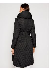 Czarna kurtka Guess na zimę