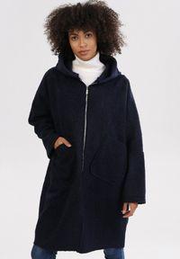Niebieski płaszcz Born2be
