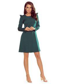 Zielona sukienka wizytowa Numoco z falbankami, trapezowa