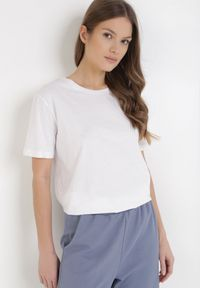 Born2be - Biały T-shirt Maggolor. Kolor: biały