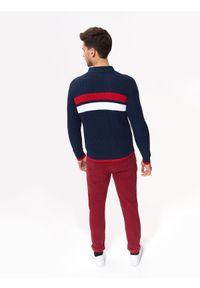 Niebieski sweter TOP SECRET na co dzień, z dekoltem w serek, casualowy